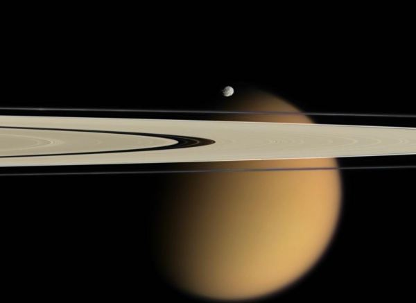 Titan_and_rings